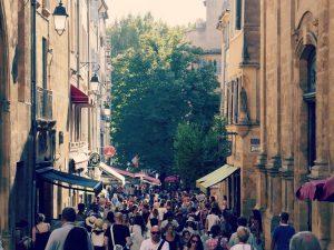 rue-commercante-aix-en-provence