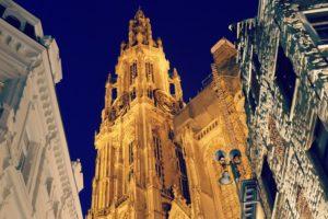 Cathédrale-de-nuit-Anvers