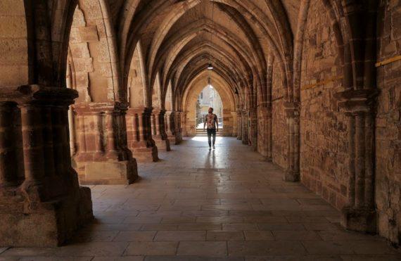 cloître de l'abbaye de Luxeuil