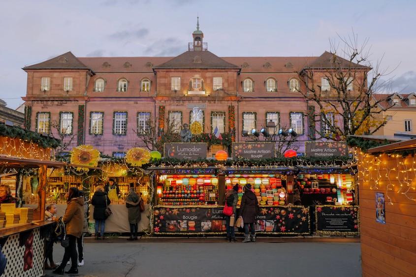 Le marché de Noël de Montbéliard, place Saint-Martin